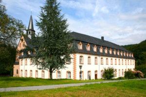 Klosterhof St. Thomas, Exerzitienhaus des Bistums Trier Dacheindeckung mit Moselschiefer